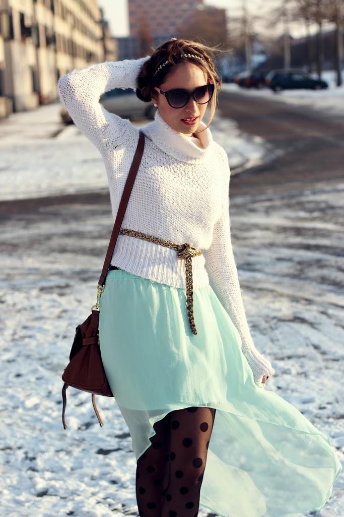 f150b2d23e3 Turtle necksweater: H&M Belt/skirt: zara. Polka dots tights: pieces heels:  zara bag: mulberry alexa bag