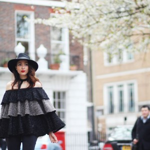 Off Shoulder and Jeans : London Style
